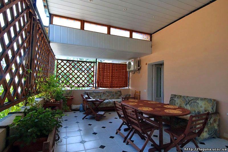 Аренда жилья в Ливадии с балконом