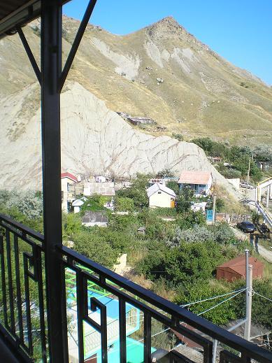 Жилье в Орджоникидзе с видом на горы