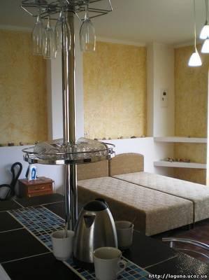 Отдых в номере с барной стойкой в Орджоникидзе Крым