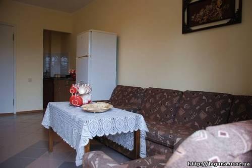 Снять дом в Ливадии с кухней