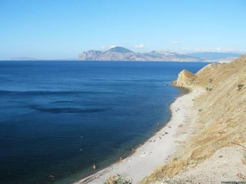 Галечный пляж в Орджоникидзе