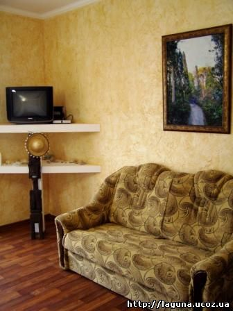 Отдых и жилье в коттедже в Орджоникидзе Крым в номере студио