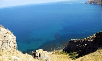 Орджоникидзе. Лето. Двуякорная бухта.Вид на дикие пляжи